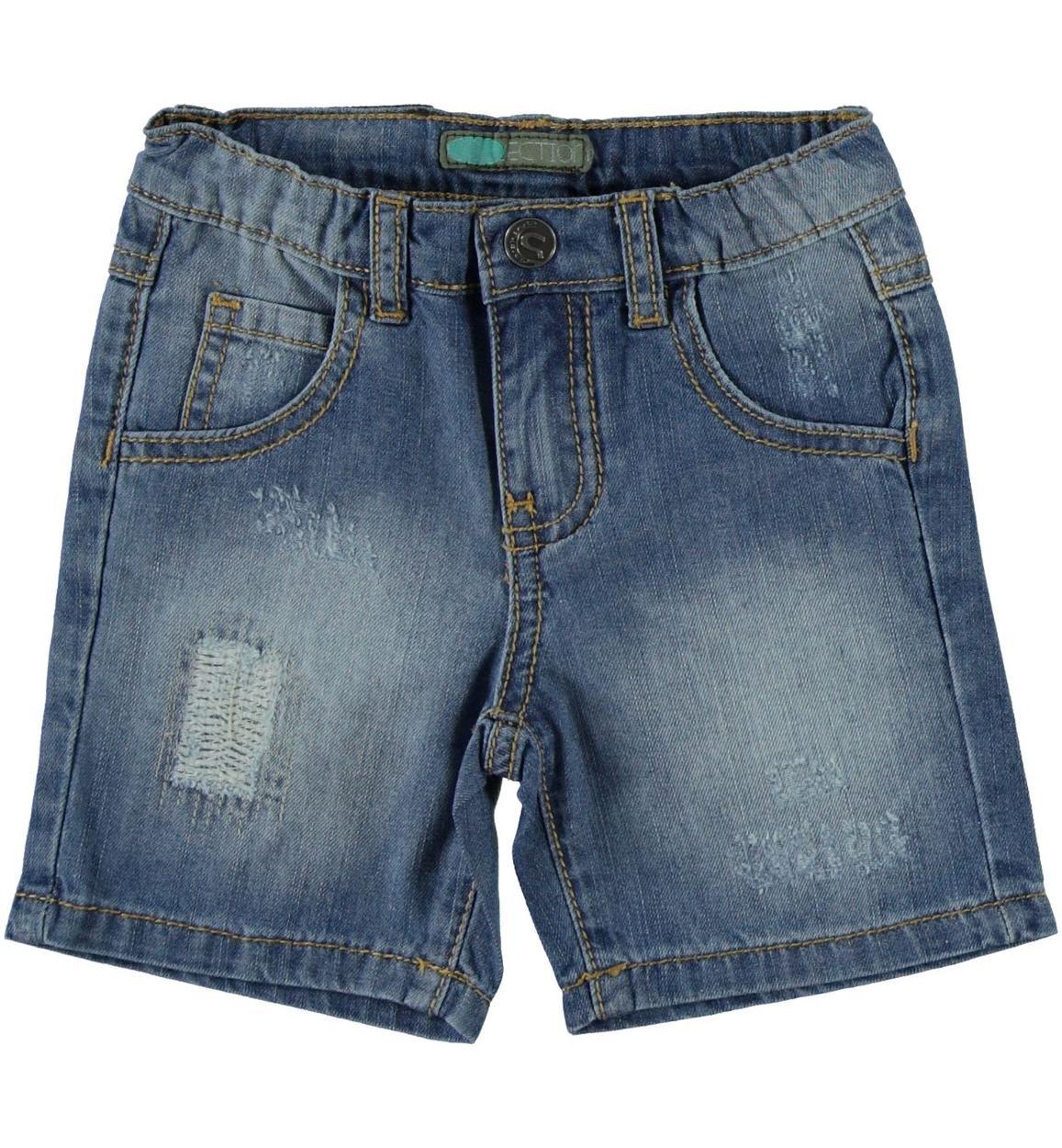 5c69025193 Pantaloncino in denim 100% cotone effetto delavato e consumato per bambino  da 6 mesi a 7 anni Sarabanda