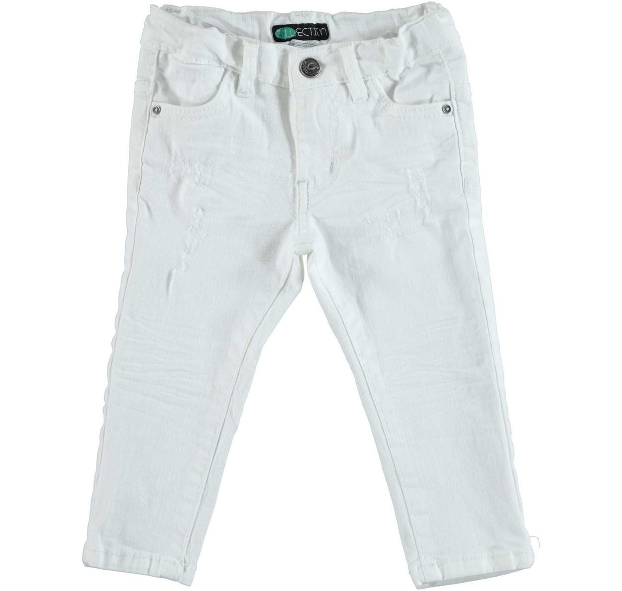 nuovo di zecca ffdc9 05a9c Pantalone slim fit in cotone stretch effetto delavato con strappi per  bambino da 6 mesi a 7 anni Sarabanda