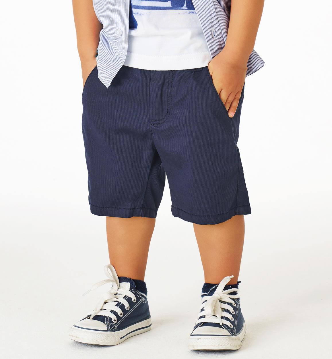 d842eb3ae5 Pantalone corto in piquet stretch di cotone effetto righina verticale per  bambino da 6 mesi a 7 anni Sarabanda
