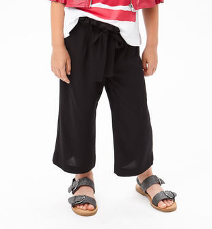 Pantaloni modello cropped in tela di morbida viscosa sarabanda NERO-0658