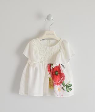 Graziosa camicia in viscosa con ricamo in pizzo e fiori sarabanda BIANCO-0113