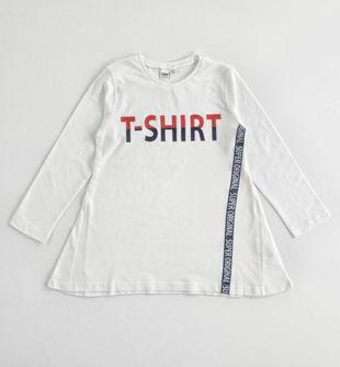 Maglietta 100% cotone stampa glitterata e vestibilità ad
