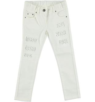 Pantalone bambina modello slim fit con rotture sfrangiate  PANNA-0112