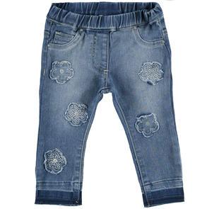 Jeans delavato per bambina con toppe ricamate a fiore ido STONE WASHED-7450