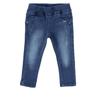 Jeans slim fit effetto delavato con stella di strass